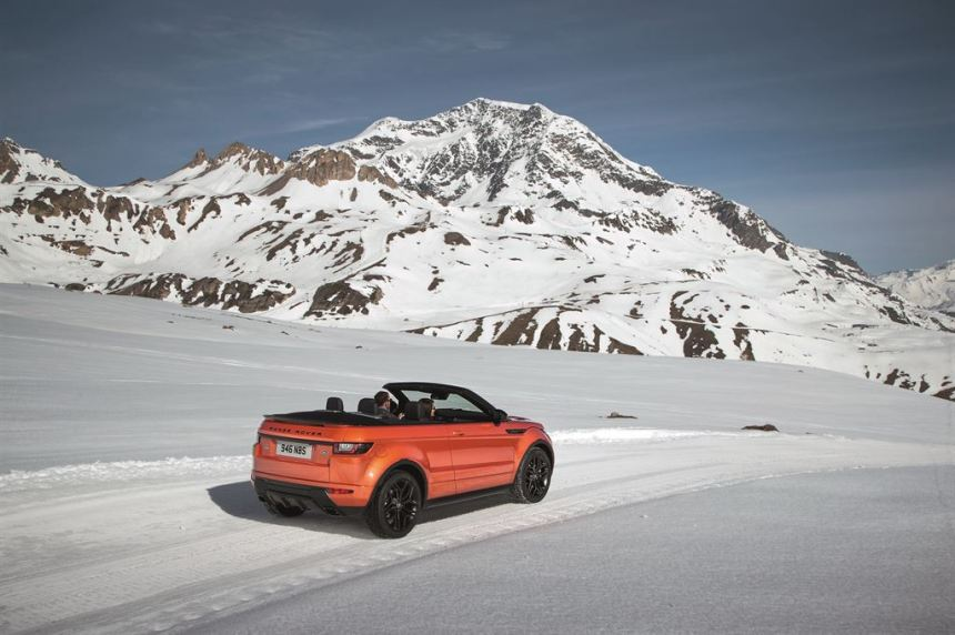 RR_EVQ_Convertible_Driving_Snow_091115_05_LowRes