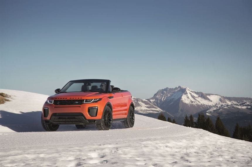 RR_EVQ_Convertible_Driving_Snow_091115_06_LowRes